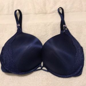 Victoria's Secret add 2 cups size navy, size 38D